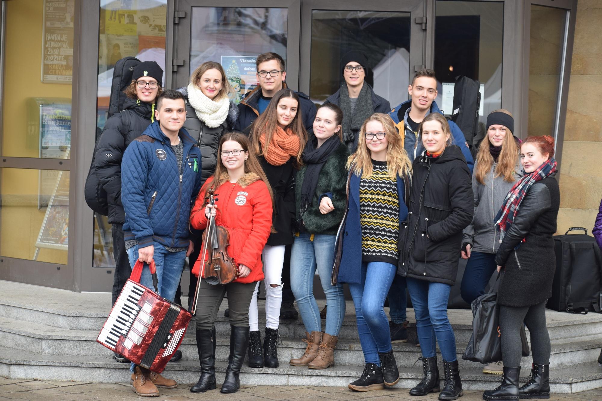 Školská kapela opäť na vianočných trhoch