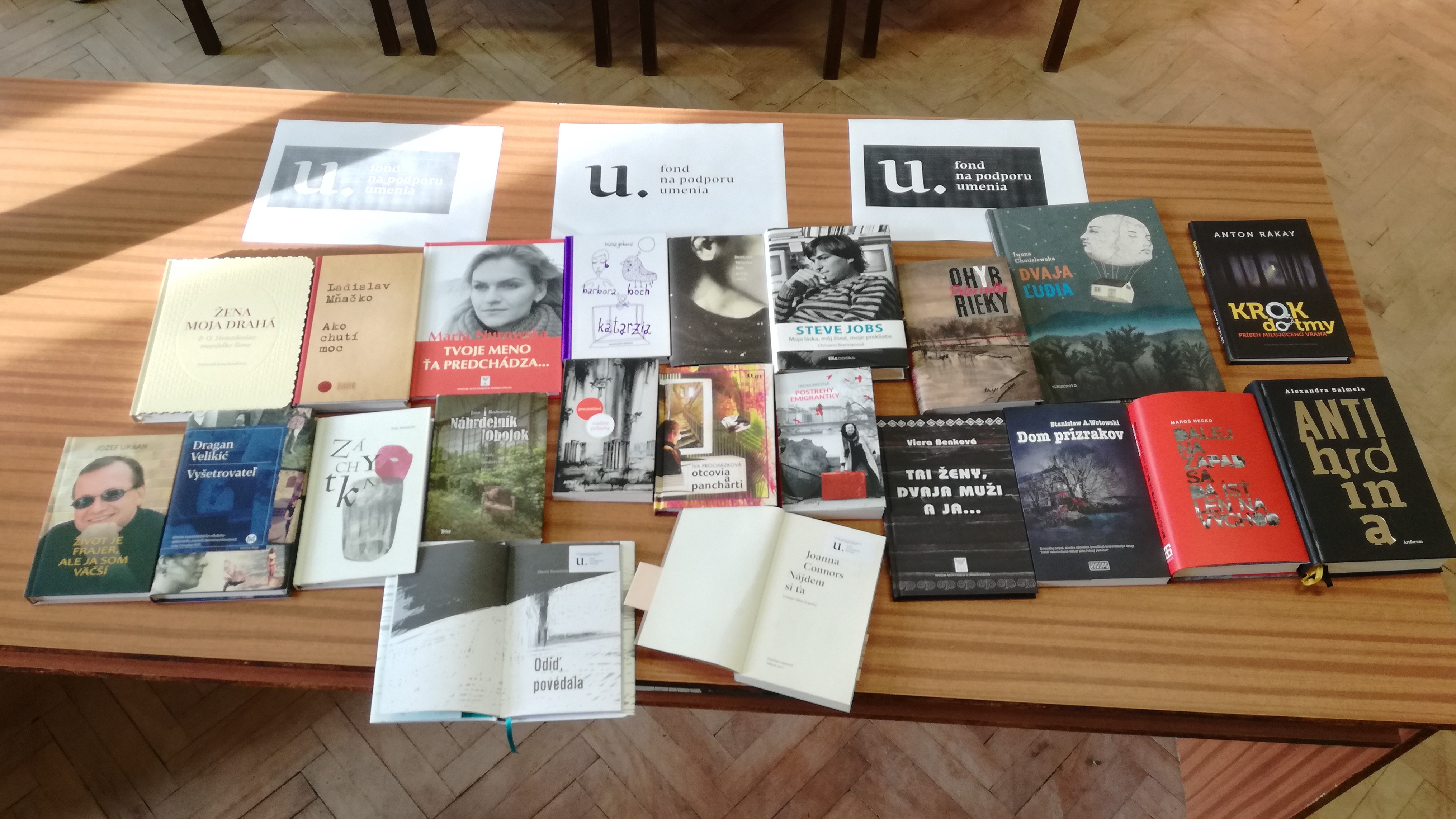 Nákup kníh do knižnice s podporou Fondu na podporu umenia